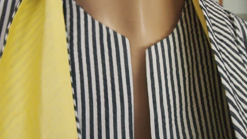 Matching tiescarfsash featured around neck Vintage 60/'s BRAND NEW blazer with tags!!