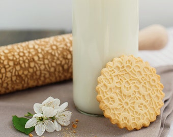 Delicate Lace rolling pin, engraved and embossing cookie stamp, ornamental pattern, Guipure cookie roller