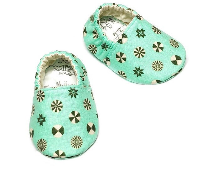3-6mo Ready to Ship Christmas Baby Shoes, Holiday Soft Sole Shoes, Green Peppermints Moccasins