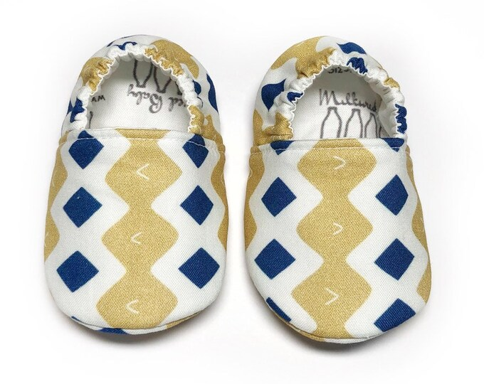 0-3mo Ready to Ship Holiday moccasins