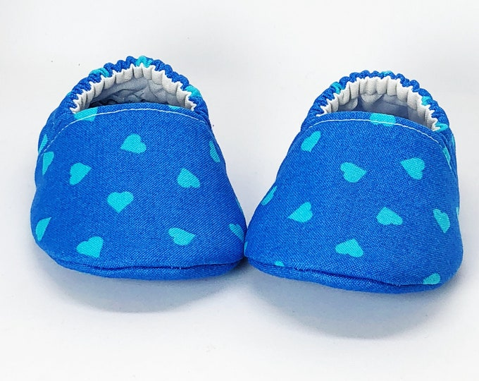 3-6 Months RTS Boy Valentines Crib Shoes, Baby Boy Booties, blue hearts, vegan moccasins, soft sole baby shoes, Valentine's Day Booties
