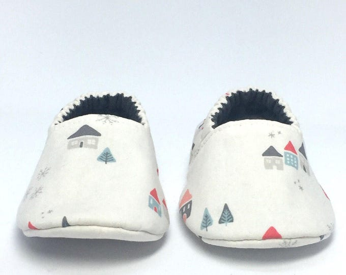 3-6mo RTS Baby Moccs: Snowy Christmas Village / Crib Shoes / Baby Shoes / Baby Moccasins / Vegan Moccs / Soft Soled Shoes / Montessori Shoes