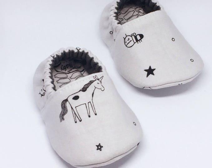 Unicorns Doodle Moccasins