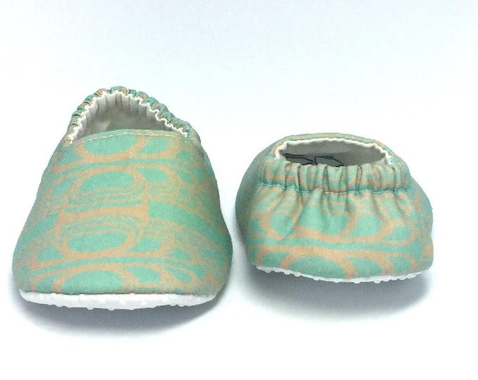 6-9mo RTS Baby Moccs: NYC Art Deco Architect / Crib Shoes / Baby Shoes / Baby Moccasins / Vegan Moccs / Soft Soled Shoes / Montessori Shoes