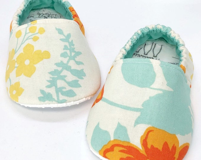 9-12mo RTS Soft Sole Baby Shoes / Floral Baby Shoes / Crib Shoes / Baby Booties / Crawler Shoes / Baby Shower Gift / Vegan Baby Shoes