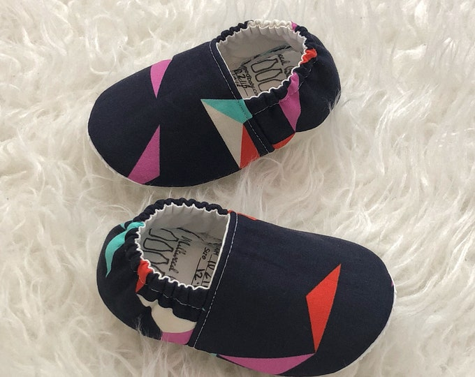 soft shoes for baby geometric baby shoes newborn shoes baby boy shoes baby girl shoes neutral baby slippers toddler shoes vegan moccasins