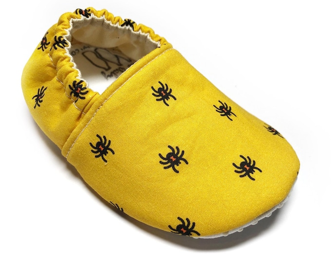 6-9mo RTS Spider baby shoes, black, yellow, Halloween, baby moccs, moccasins, baby booties, crib shoes, fall, baby gift, baby shower gift