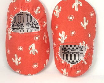 9-12months RTS Cactus Moccs, Cactus Moccs, Coral Shoes, Infant Moccasins, Baby Moccs, Toddler Moccasins, Toddler Slippers, Vegan Moccs