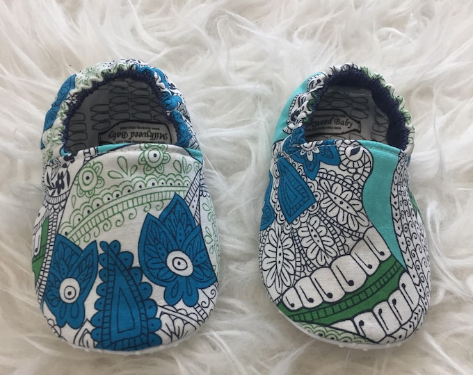 9-12mo RTS Baby Moccs: Sugar Skulls / Halloween Baby Shoes / Baby Moccasins / Indoor Shoes / Vegan Mocc / Soft Soled Shoe / Montessori Shoe