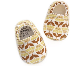 0-3mo Ready To Ship Sunflower Moccasins