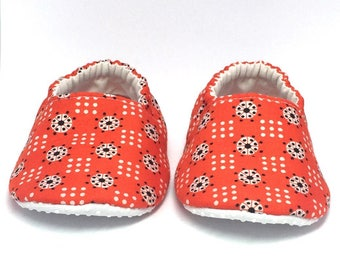 9-12mo RTS Baby Moccs: Dots Orange Blue White / Crib Shoes / Baby Shoes / Baby Moccasins / Vegan Moccs / Soft Soled Shoes / Montessori Shoes