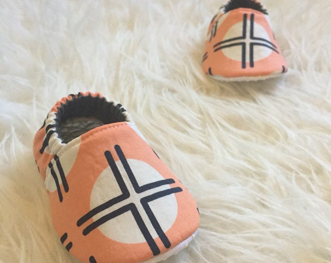 Pink moccasins for newborn to toddler, southwest style, vegan washable shoes