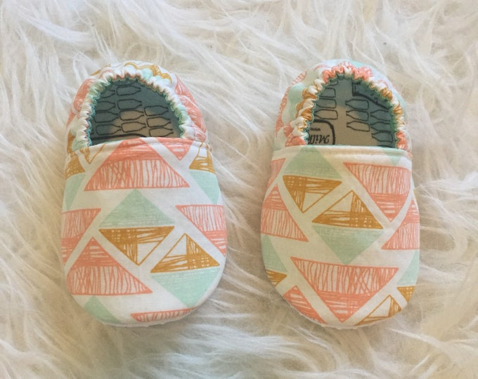 Baby Moccs: Pyramids Geometric / Baby Shoes / Baby Moccasins / Childrens Indoor Shoes / Vegan Moccs / Soft Soled Shoe / Montessori Shoes