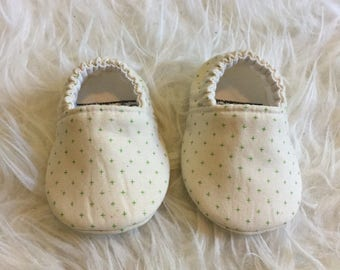 Emerald Green Plus Sign Soft Sole Baby Shoes Toddler Shoes Kid Slippers  - Made to Order - Green Kelly Green Gender Neutral