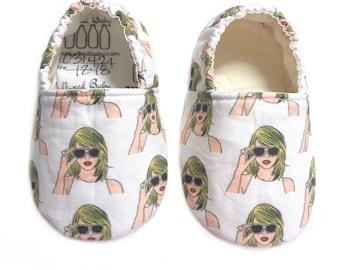 Pop Star Moccs / Swift Moccs/ Mocs / Infant Moccasins / Baby Moccs / Toddler Slippers / Vegan Moccs