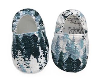 Winter Forest Moccs / Winter Moccs/ Mocs / Infant Moccasins / Baby Moccs / Toddler Moccasins / Toddler Slippers / Vegan Moccs