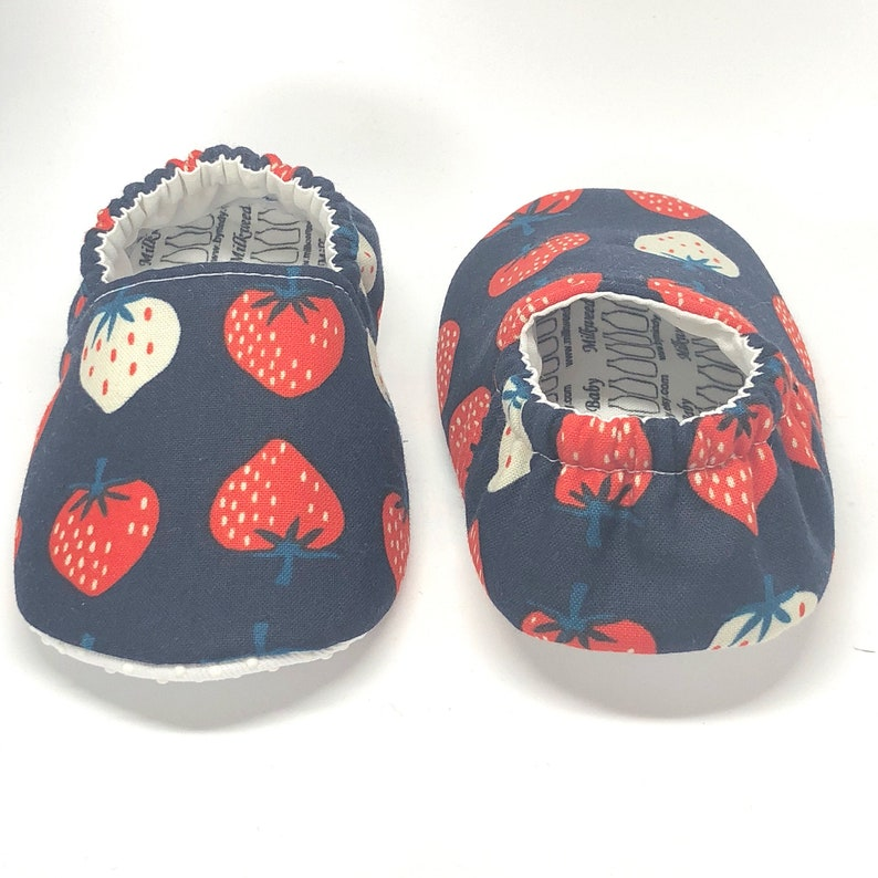 60a89972b615f Baby Shoes//Vegan Baby Shoes//Strawberry Baby Shoes//Strawberry  Slippers//Soft Sole Baby Shoes//Infant Baby Shoes//Kids Shoes//Gift//Moccs