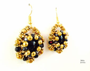Black and gold glass beaded earrings, beadwork jewellery, jewels for her, chandelier earrings, handmade seed beadweaving, beadwoven earrings
