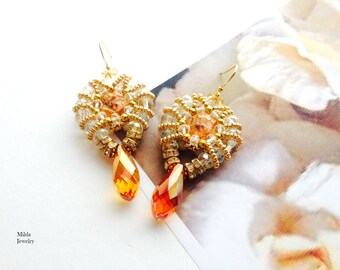 Handmade beaded earrings, dangle drop earrings, gold earrings, beadwork jewelry, beadwoven glass bead earrings, beadweaving, gold 18k