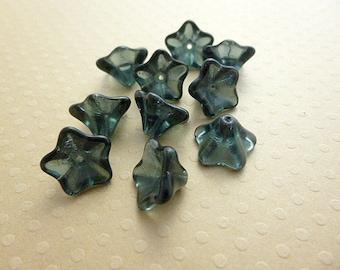 Set of 10 flowers trumpets 8 x 13 mm Montana Blue - VPFL813 0528