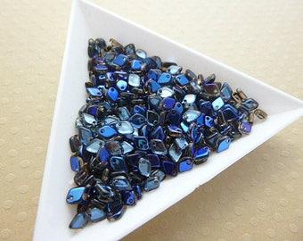 Lot de 5 g Dragon Scale Bead 1,5x5mm Crystal Azuro -  DSB5-1267
