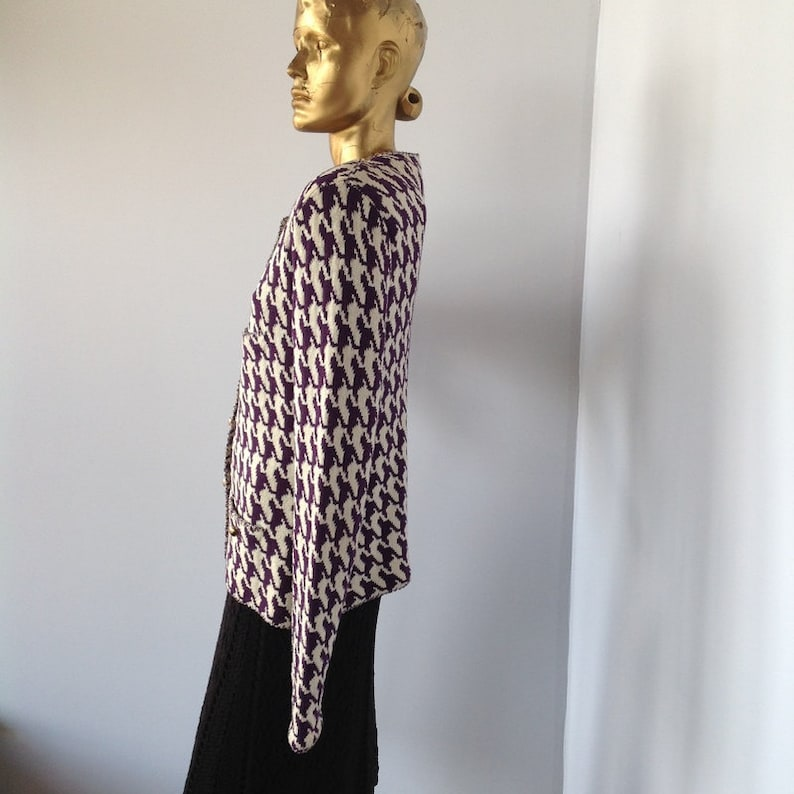 button front-sustainable fashion straight cardigan style PETER LYNN vintage 80s purple and white wool knit jacket houndstooth weave