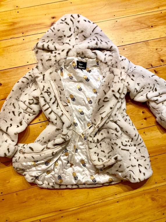 Vintage Dennis Basso white faux fur coat; never wo