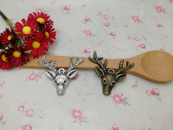 4 pcs Vintage Silver Zinc Alloy Reindeer Head Charms Necklace Pendant Crafts