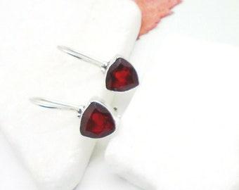 Granat rot red rund gothic Design Ohrringe Ohrhänger 925 Sterling Silber neu