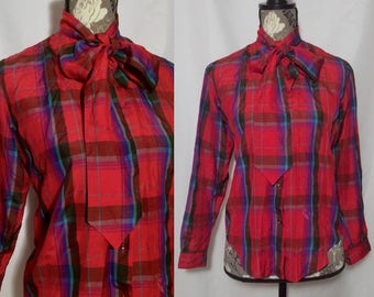 Vintage 1990s Red Plaid Tied Shirt // S-M