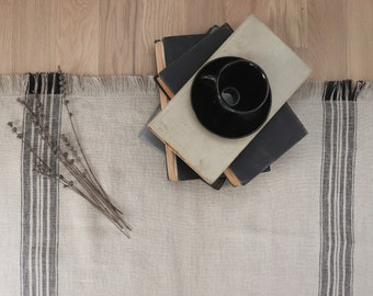 Thick linen rug in grain sack pattern, Striped linen mat, Natural grey linen carpet, Bedroom rug, Double-layered rug, Bathroom linen mat