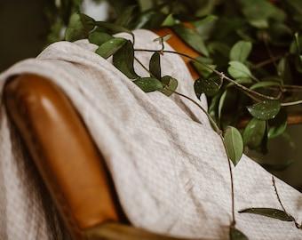 Linen Throw Blanket in Herringbone Pattern - Light Brown Linen Blanket - Summer Plaid - Organic Baby's Blanket - Linen flax - Picnic Blanket