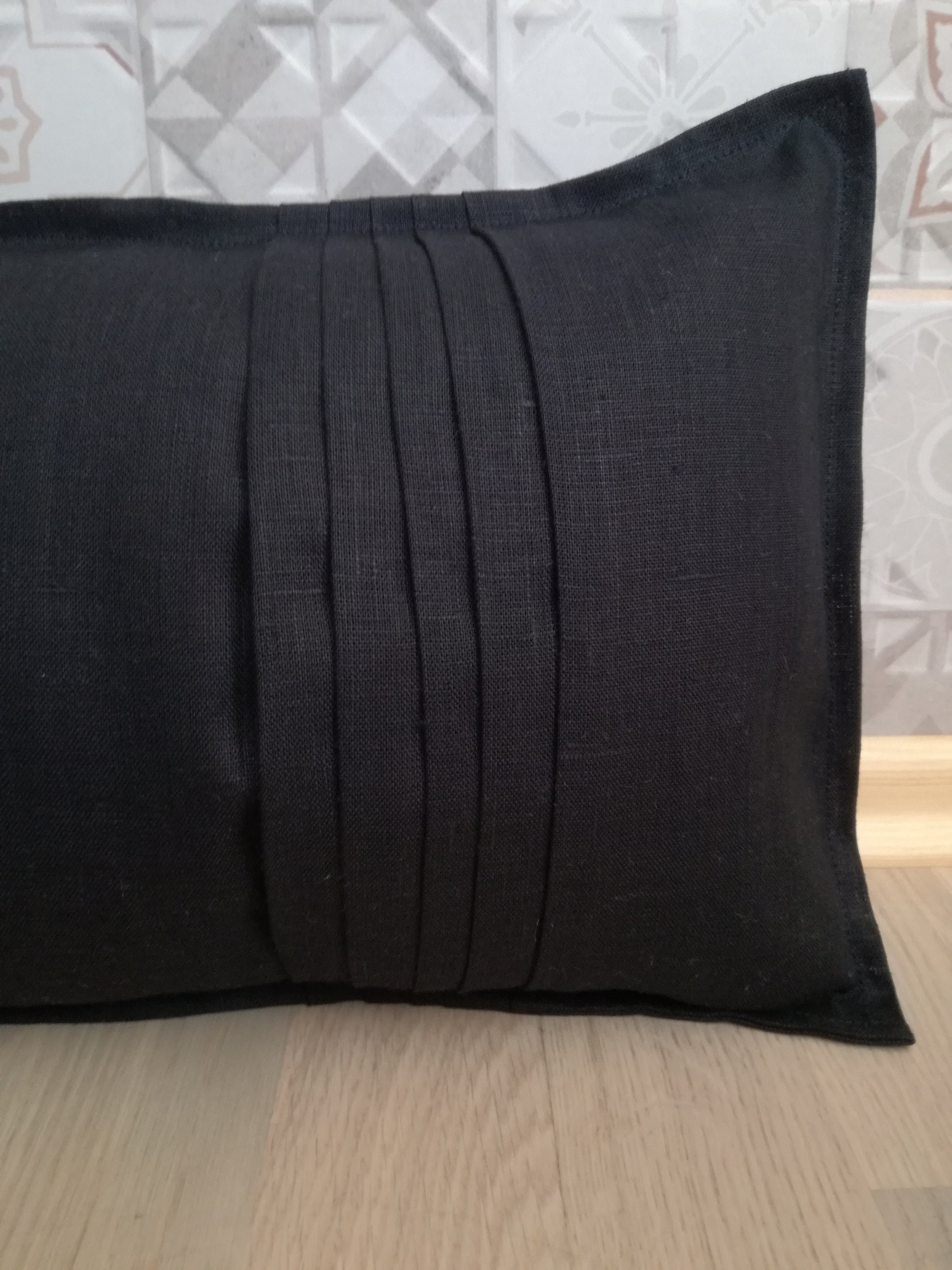 Fantastic Black Pleated Lumbar Pillow Bench Cushion Linen Pillow Caraccident5 Cool Chair Designs And Ideas Caraccident5Info