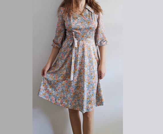 1950's Psychedelic Feed Sack Floral Collared Dress