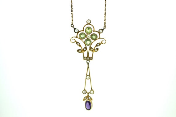 Beautiful Suffragette Pendant / Peridot Suffragett