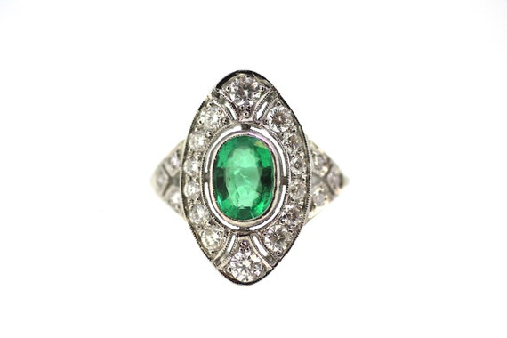 Platinum Art Deco Emerald Diamond Ring / Art Deco