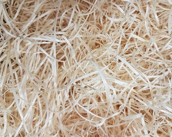 Shredded Wood Wool, Wood wool, packaging hamper fill,Wood shavings,Fistful of wood shavings, Natural wood chips,Gift wrapping