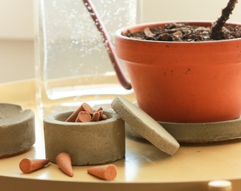 concrete dish with lid, jewelry dish or small item dish with lid