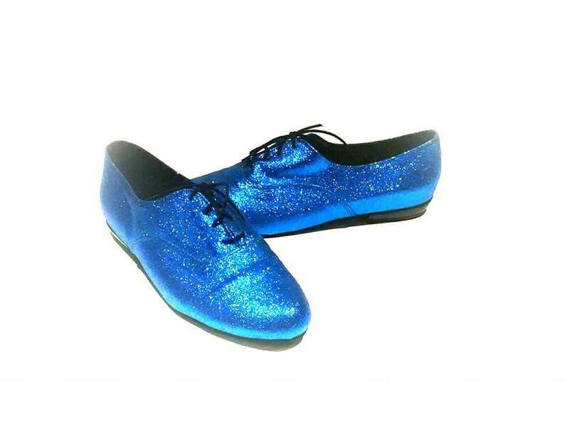 Vintage 1980s blue glitter sparkle tie up oxford shoes