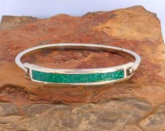 "Mexico Alpaca Silver 6-7/8"" Vintage Hinge Bracelet Crushed Green Stone Inlays W36"