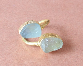Handcrafted Ring, Natural Aquamarine Ring, Unique Bypass Ring, Raw Gemstone Ring, Adjustable Ring, Birthday Gift Ring, Ladies Ring