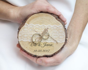 Ring pillow - vintage - shabby chic - wood