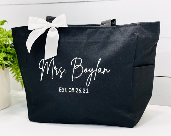 Personalized Bride Bag, Engagement gift, Bride Tote Bags, Wedding Gift, Bridal Shower Gift, Gift For Bride, Bridal Gift, Honeymoon Gift,