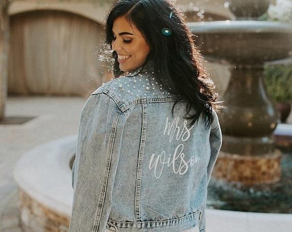 bridal jean jacket pearls, Pearl jean jacket, bride jean jacket, Mrs Denim Jacket, Personalized Jean Jacket, Bride Jacket, Bridal gift