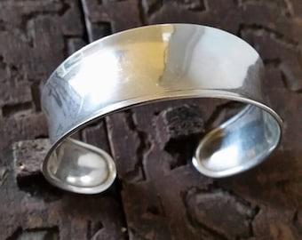 Minimalist bangle, minimal bracelet, simple silver cuff, silver bracelet, minimlist cuff, silver band, Silver bar bracelet, silver band