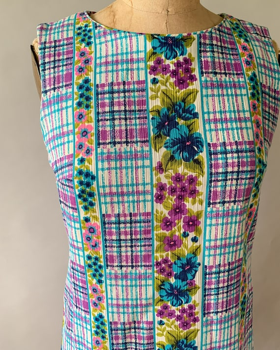 Vintage 1960s rainbow floral plaid patchwork slee… - image 5