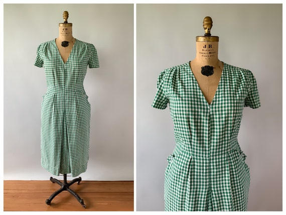 Vintage 1940s green and white gingham cotton puff