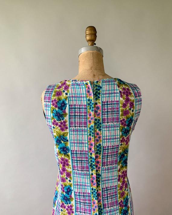 Vintage 1960s rainbow floral plaid patchwork slee… - image 6
