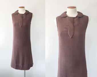 Vintage 1960s brown scooter shift dress / 60s dress / vintage brown dress / extra small XS S