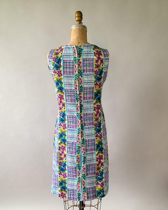 Vintage 1960s rainbow floral plaid patchwork slee… - image 7
